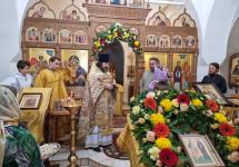С днём святых первоверховных апостолов Петра и Павла! С именинами нашего настоятеля!