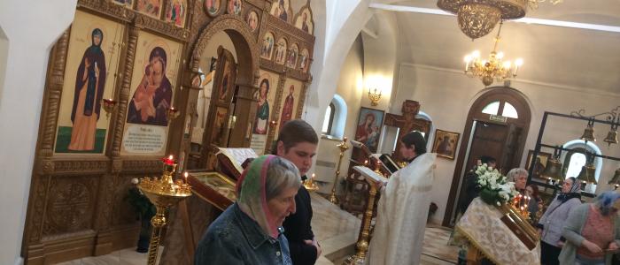 В престольный праздник в храме Димитрия Донского была совершена Божественная Литургия с переводом на жестовый язык